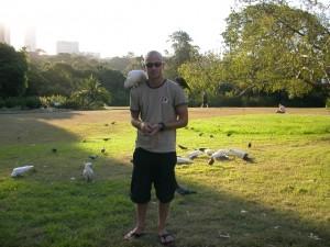 Timm im Park mit Kakadus