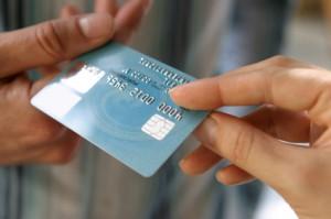 Mit der Geldkarte am Automaten Bargeld abheben
