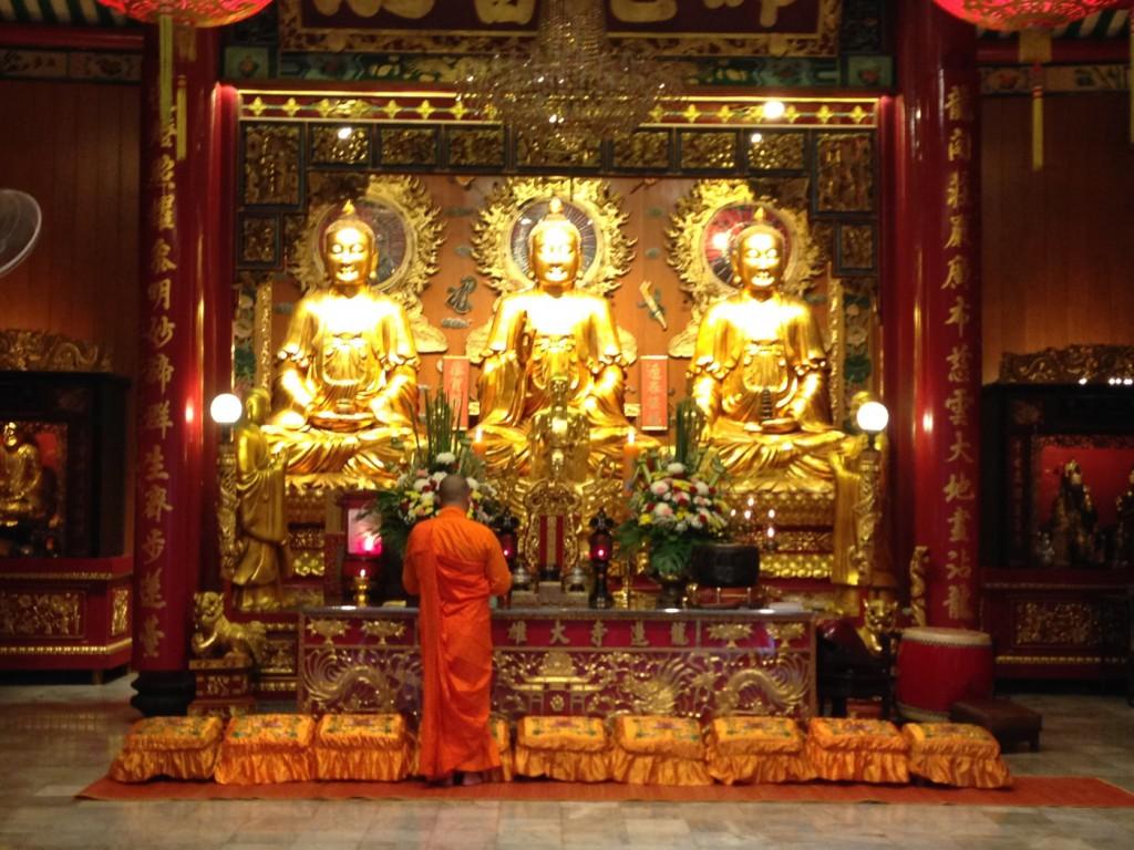 Statuen in gold von Buddha in Bangkok