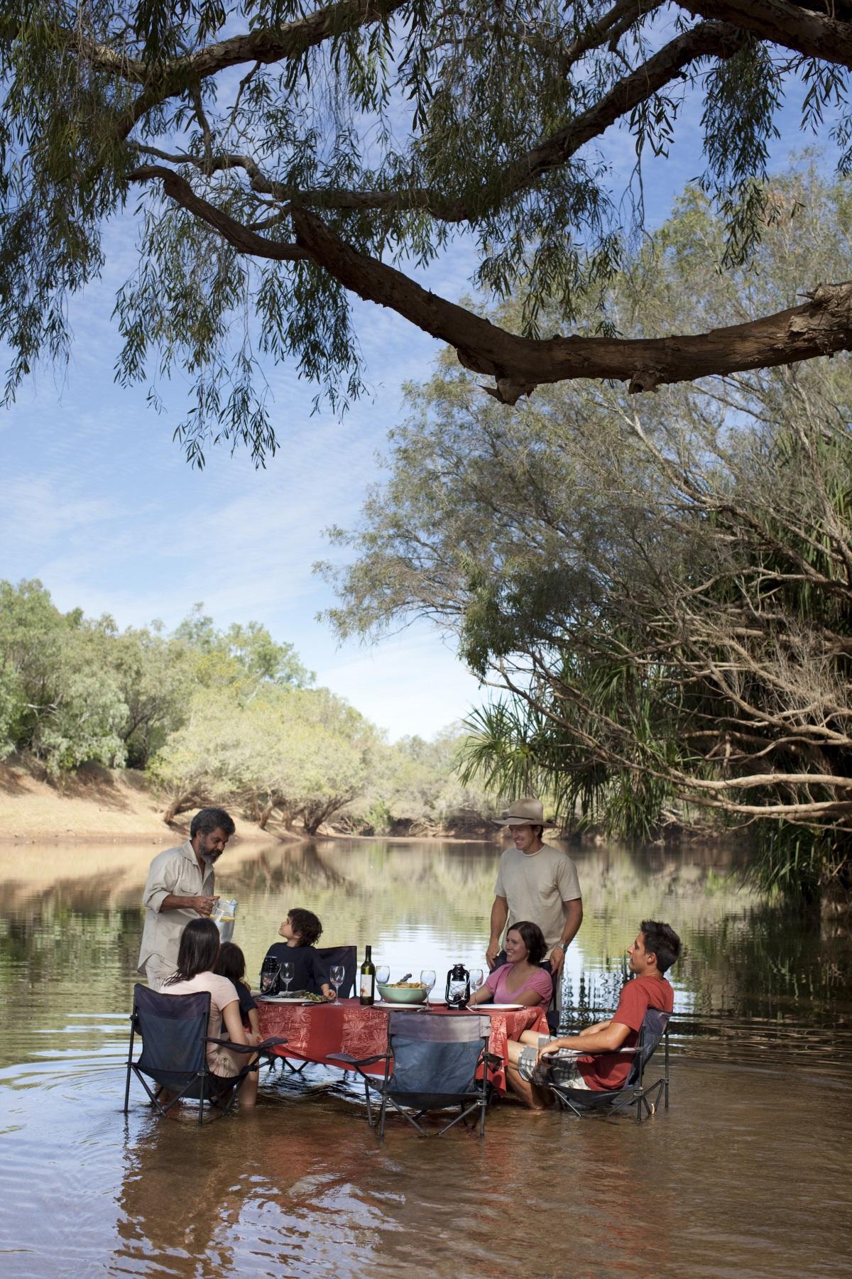 Essen mit Aborigines