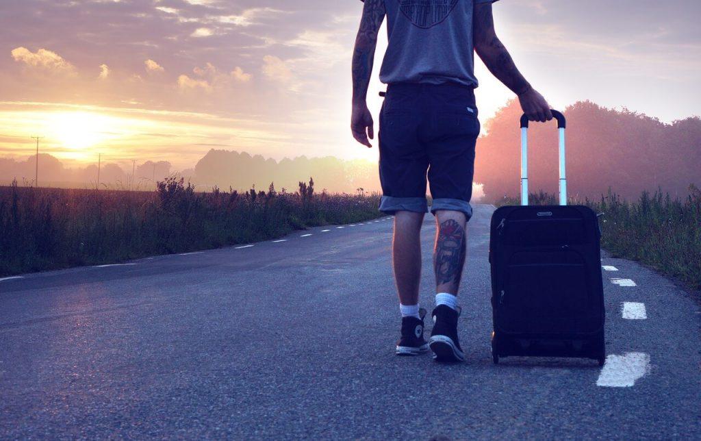 Umzug mit Koffer nach Australien