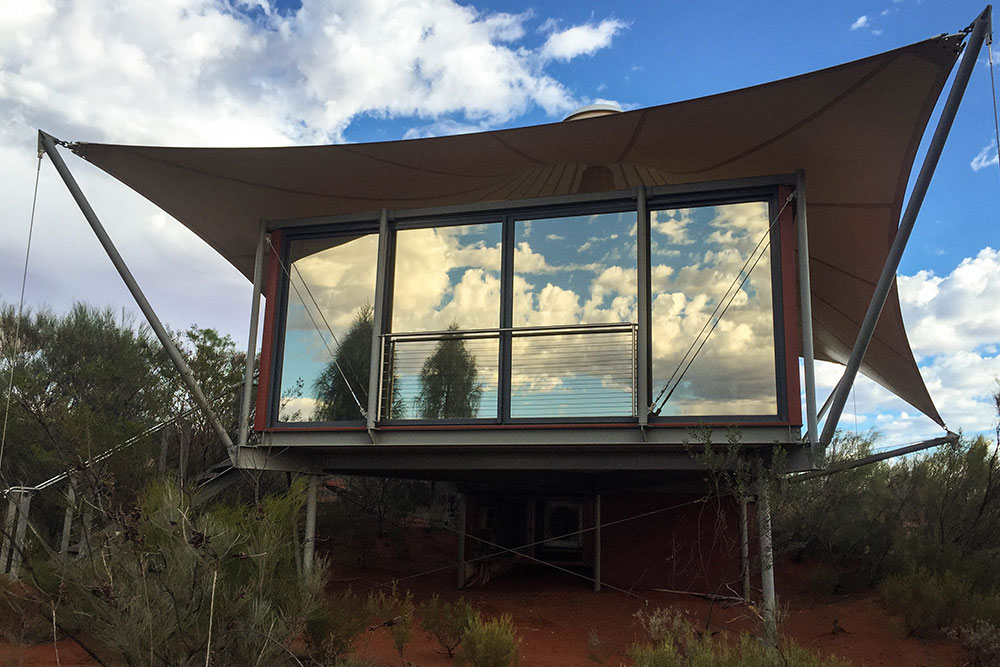Longitude131 Zelt mit Glasfront