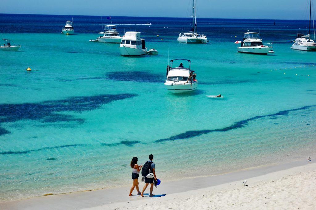 Rottnest Island Strand mit Booten
